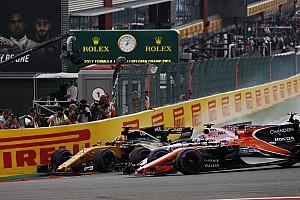 McLaren/Renault pose