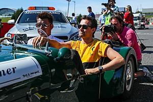 Формула 1 Новини Renault привітала Палмера з Різдвом