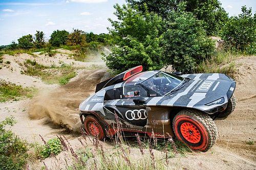 Audi, elektrik destekli Dakar aracını tanıttı