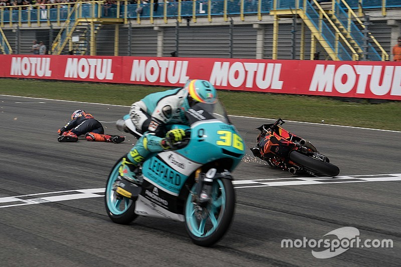 Piloto y moto podrán cruzar la meta por separado en caso de caída