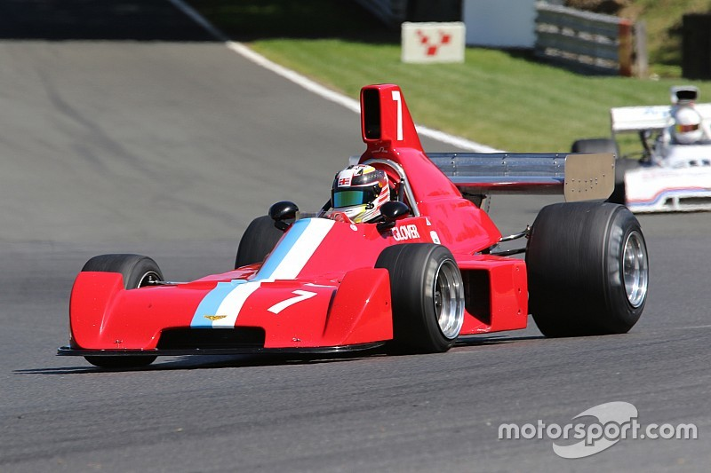 Formula 5000 cars return to Castle Combe