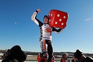 MotoGP Actualités Dovizioso chute, Márquez remporte le titre MotoGP 2017!