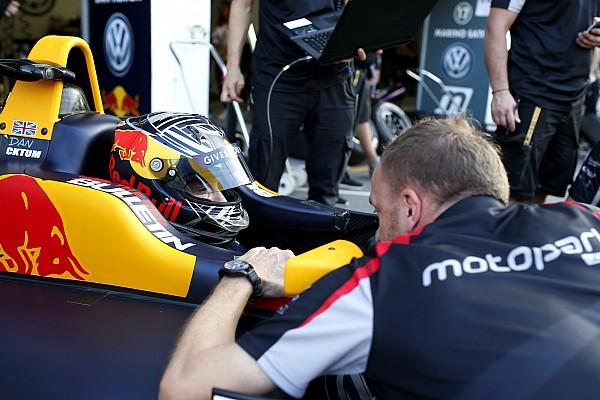 Євро Ф3 Репортаж з тестів Шумахер на одну тисячну відстав від Тіктема на тестах Ф3