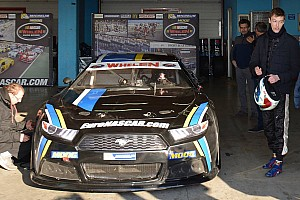 NASCAR Euro News Daniil Kwjat testet NASCAR-Euro-Fahrzeug in Italien