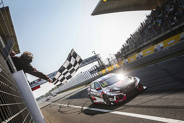 WTCR Race report Zandvoort WTCR: Ehrlacher eases to Race 1 win
