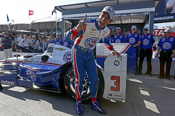 Pole con record per Helio Castroneves a Long Beach