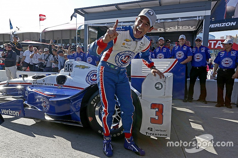 Long Beach IndyCar: Castroneves grabs pole, other Penskes falter