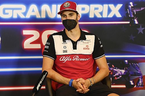 Alfa Romeo, Giovinazzi ile havayı yumuşattı