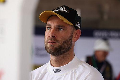 Van Gisbergen breaks collarbone in bike crash