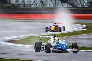 Formule Renault Kwalificatieverslag FR 2.0 Silverstone: Shwartzman op pole voor Defourny, Verschoor negende