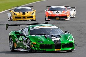 Ferrari Gara Silverstone sorride a Baron, Froggatt e Hassid