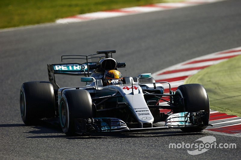 """【F1】ハミルトン「フェラーリの速さが""""見せかけ""""だなんて言ってない」"""