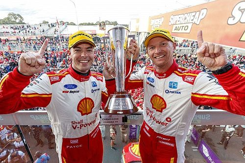 Bathurst 1000: McLaughlin holds off van Gisbergen to win