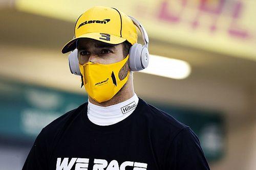 """Ricciardo blasts """"idiots"""" behind F1's social media strategy"""