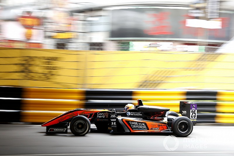 Huge shunt for Floersch halts Macau GP