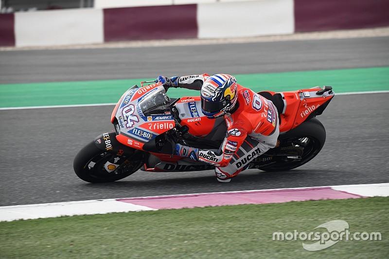 Dovizioso lidera delante de Rossi en el arranque de Qatar