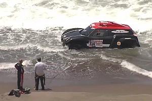 Dakar Motorsport.com hírek Dakar 2018: a Csendes-óceánból kellett kihúzni Al-Rajhi autóját