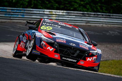Monteiro en Vernay openen WTCR-seizoen met zege op Nürburgring