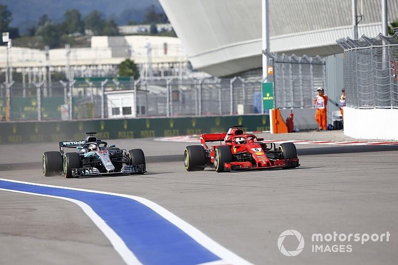 Vídeo: el adelantamiento de Hamilton a Vettel para acariciar el título