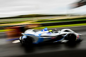 Формула E устроила дрэг-рейсинг, чтобы сравнить новую и старую машины