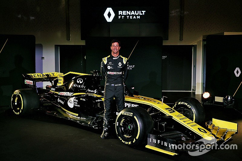 Ricciardo faz estreia com Renault em shakedown em Barcelona