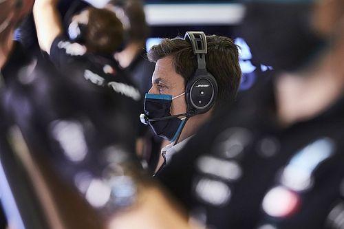 Wolff: Denken dat alles de kant van Mercedes op valt is 'dwaas'