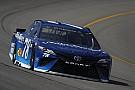 NASCAR Cup Truex gana la primera etapa en Michigan