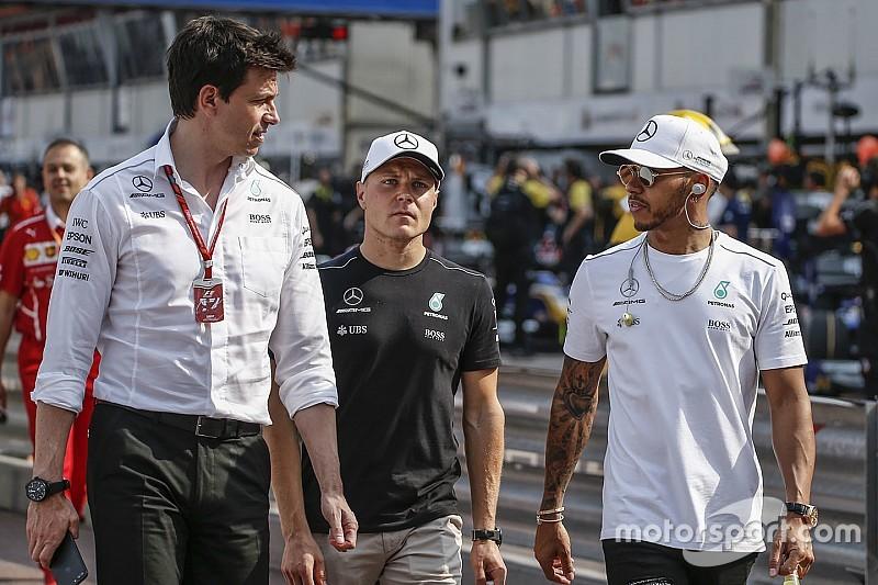 Вольф признал Mercedes догоняющей командой