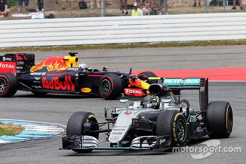 Un problema con el cronómetro demoró a Rosberg en los pits