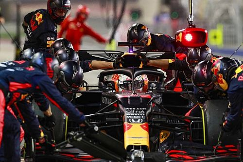 Verstappen komt terug op opvallende uitspraken na crash Grosjean