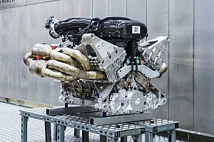 Мотор Aston Martin Valkyrie треба ремонтувати кожні 100 000 км