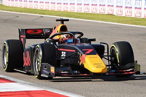 Tsunoda újra a pole-ban, a Carlinos Red Bull juniorok dominálták az F2 időmérőjét Szocsiban