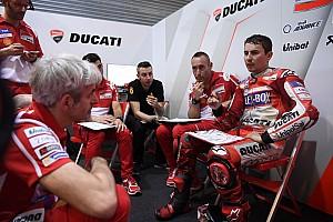 "Luchinelli: ""Lorenzo está en Ducati solo porque allí gana un dineral"""