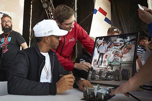 Хэмилтона удивило приглашение Петрова на Гран При в качестве судьи
