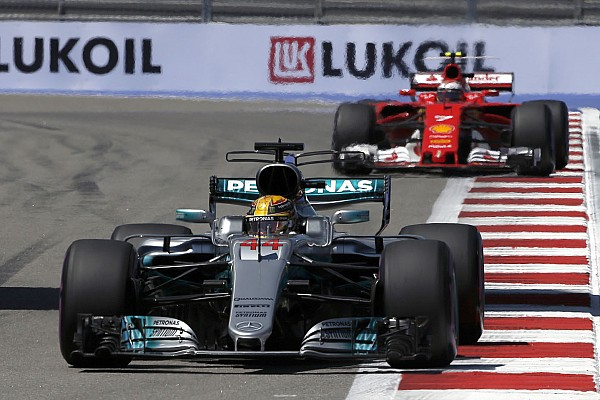 Formula 1 Breaking news Hamilton nantikan pertarungan sulit melawan Ferrari