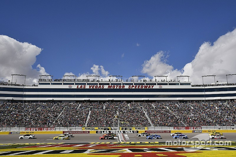 Take a lap around Las Vegas Motor Speedway with NASCAR Heat 3 - video