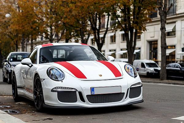 Auto Actualités Photos - Une Porsche 911 R à Paris