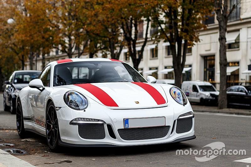 Photos - Une Porsche 911 R à Paris
