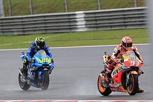 MotoGP, Valencia, Libere 1: Marquez precede le Ducati sul bagnato