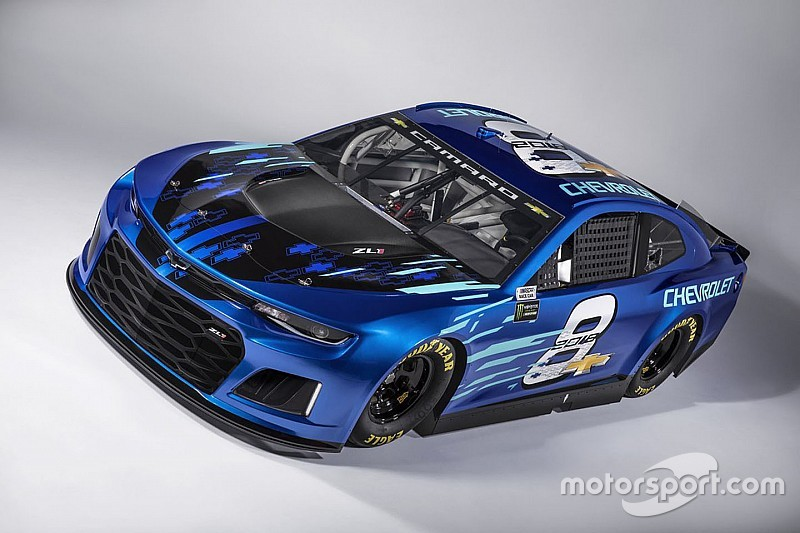 Unveils 2018 Camaro Zl1 Nascar Race Car For Cup Series