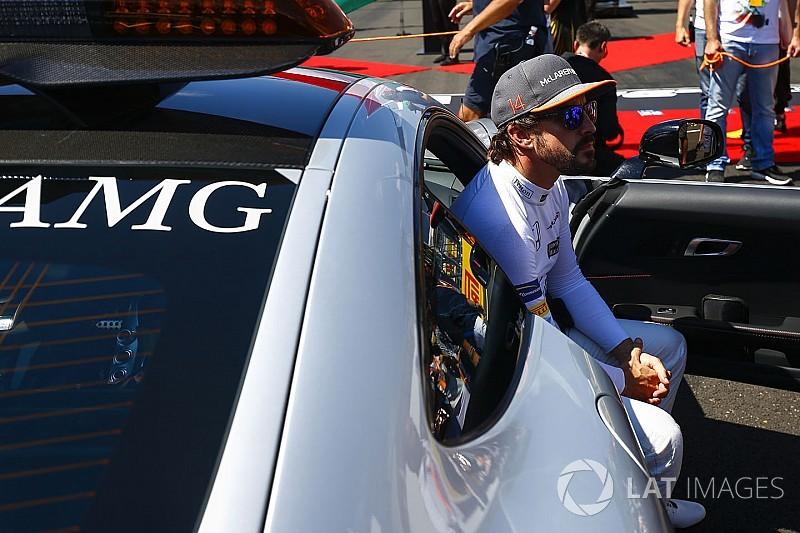 Johansson: Alonso bir yıl daha McLaren'da kalmalı