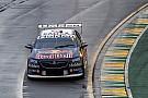 Supercars Действующий чемпион Supercars одержал первую в сезоне победу