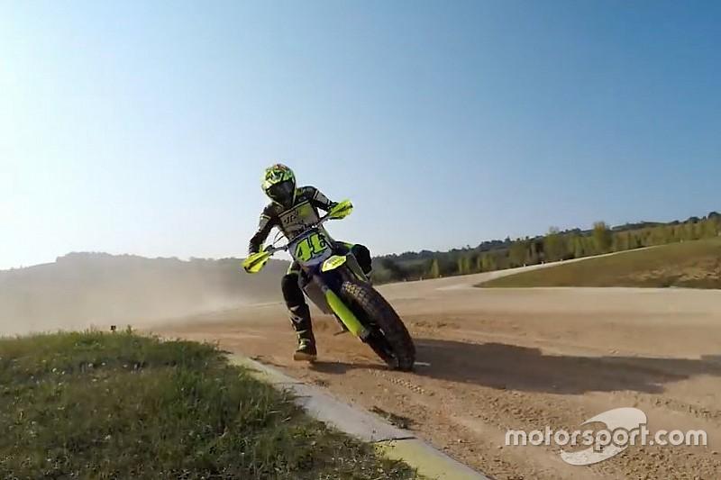 VIDEO: Rossi en su rancho de Tavullia