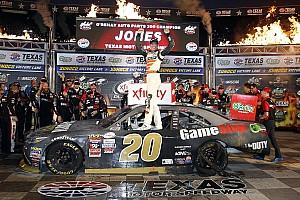 NASCAR XFINITY Reporte de la carrera Erik Jones completa la barrida en Texas