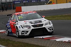 TCR Gara Mikel Azcona brucia tutti al via e trionfa in Gara 1