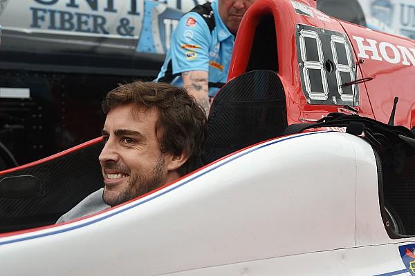 IndyCar Galería: El primer día de Fernando Alonso en IndyCar