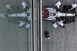 Перес и Сайнс посоветовали следить за выступлениями Sauber