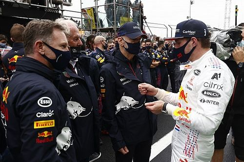 Red Bull Racing Lega Adrian Newey Sudah Bisa Bekerja meski Belum Pulih