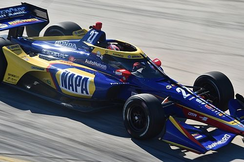 Barber IndyCar: Rossi tops disrupted second practice