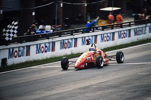Formula Ford Festival at 50: Dwindling grids and controversy blight the 2000s